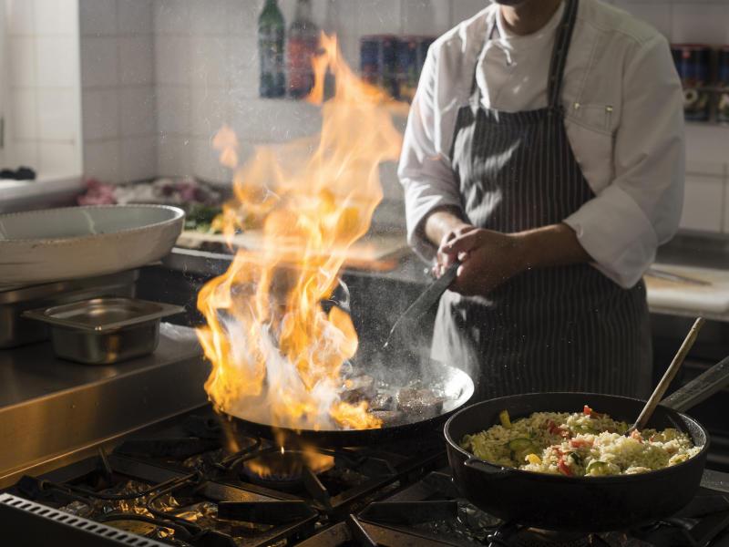 Kochen Feuer Reis Küche